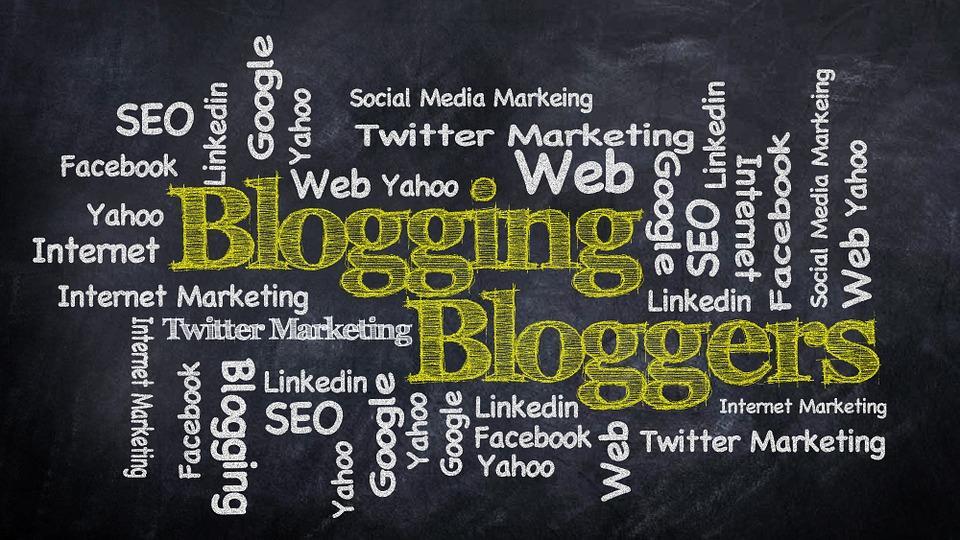 blogging-428955_960_720